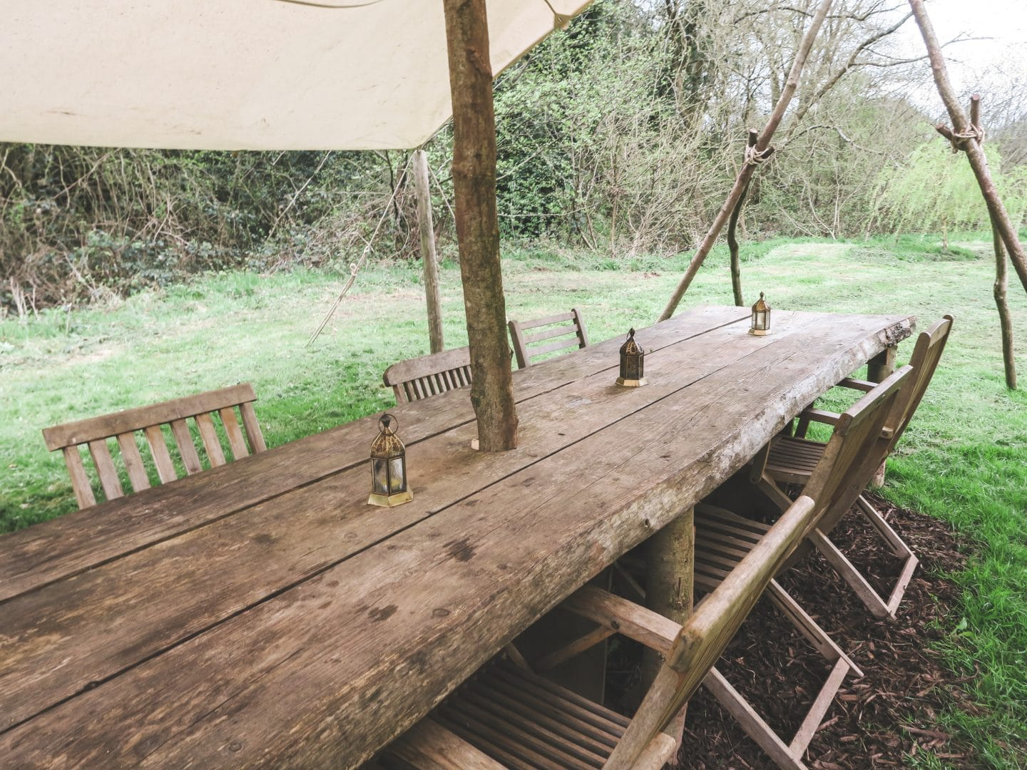 Outdoor Dining at Hidden Valley Yurts | Curiously Conscious