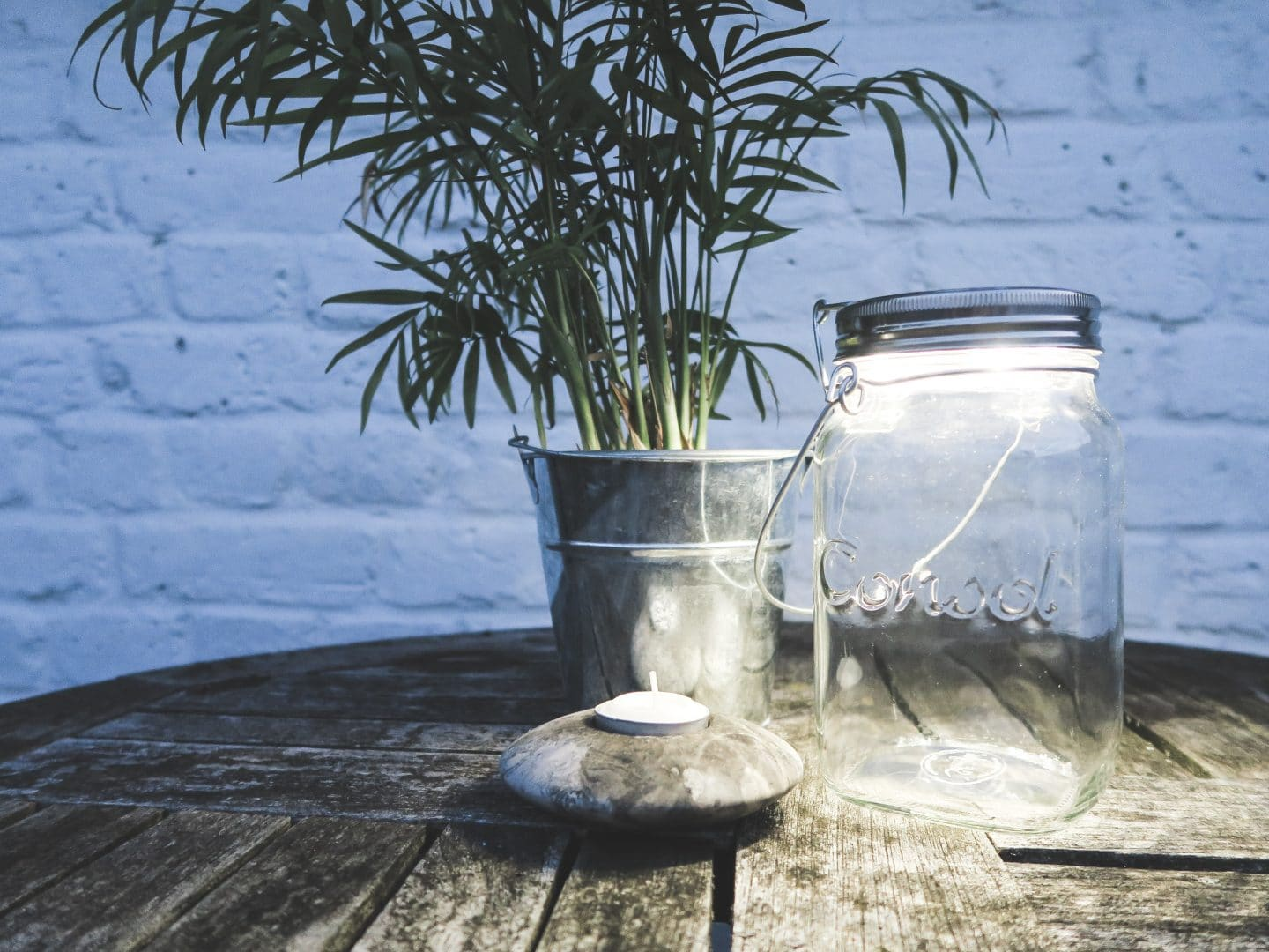 Sonnenglas: Glass Jar Solar Lamp | Curiously Conscious