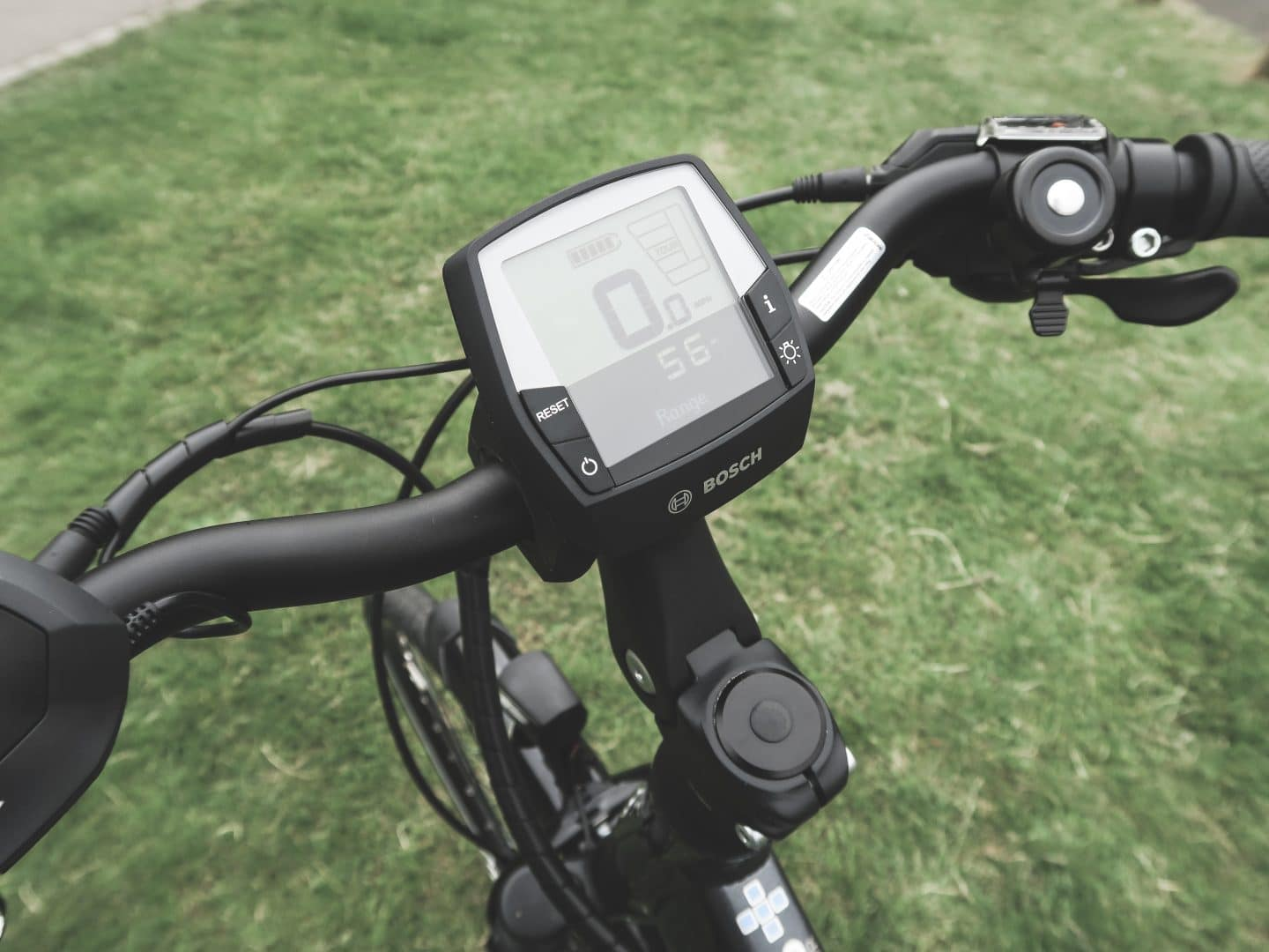 Raleigh Motus e-Bike Controls | Curiously Conscious