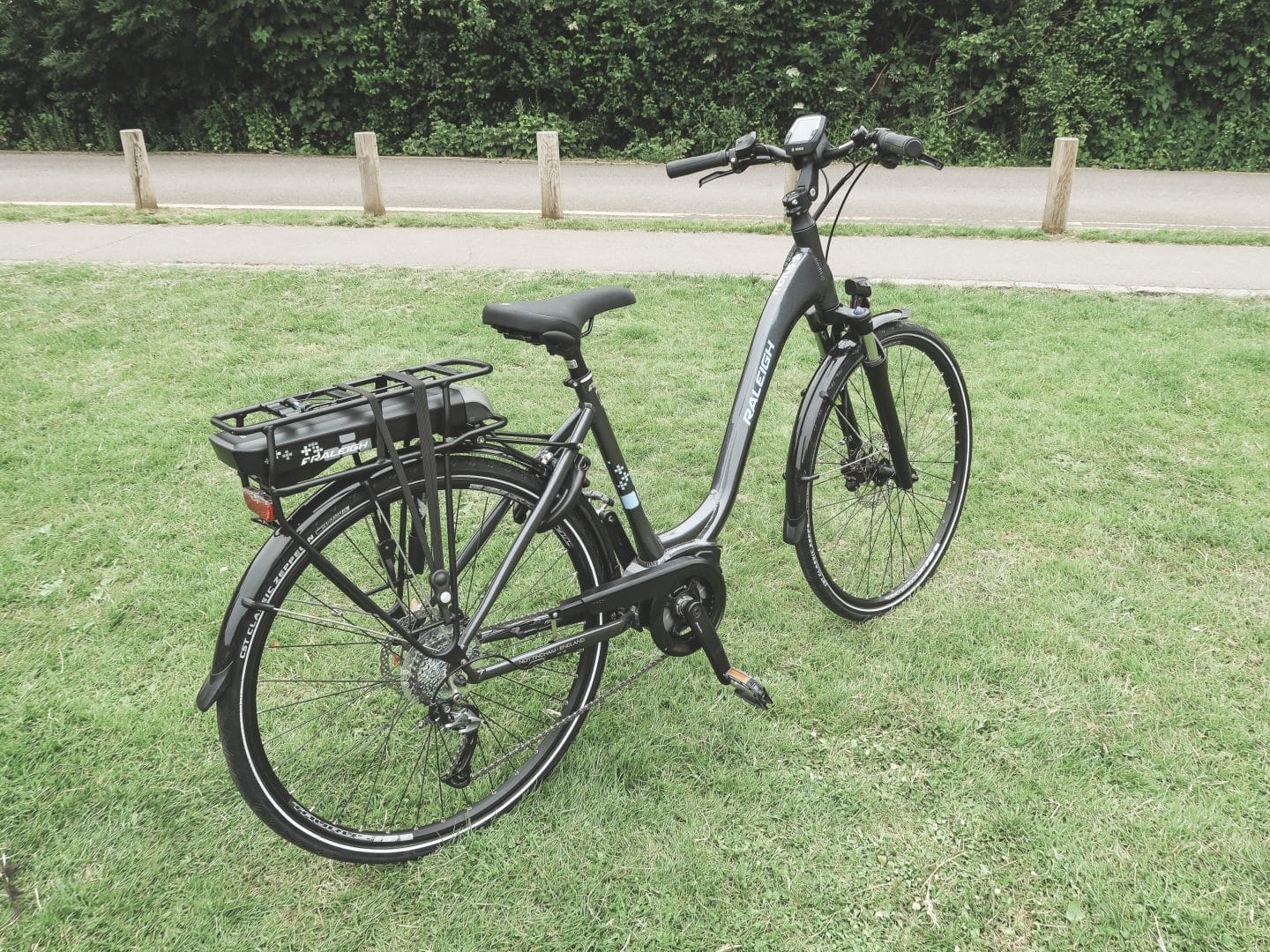Raleigh Motus e-Bike Review | Curiously Conscious