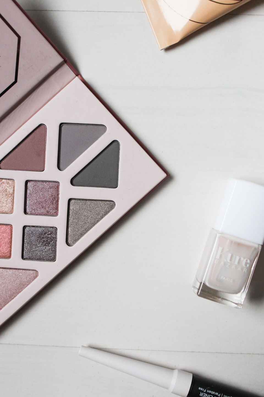 Vegan eyeshadow palette, nail polish, eye liner